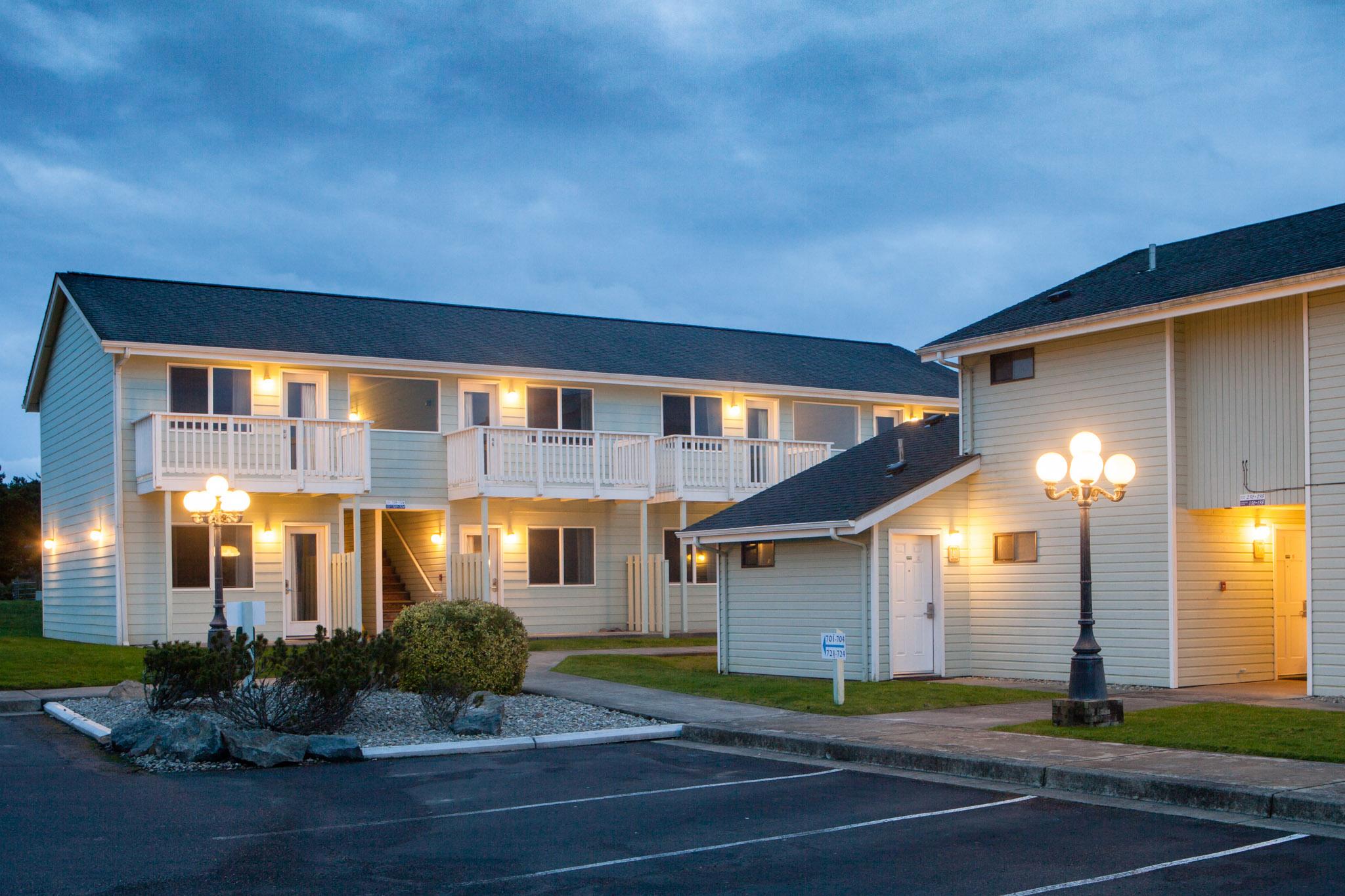 Hotel Exterior: Best Western Inn At Face Rock