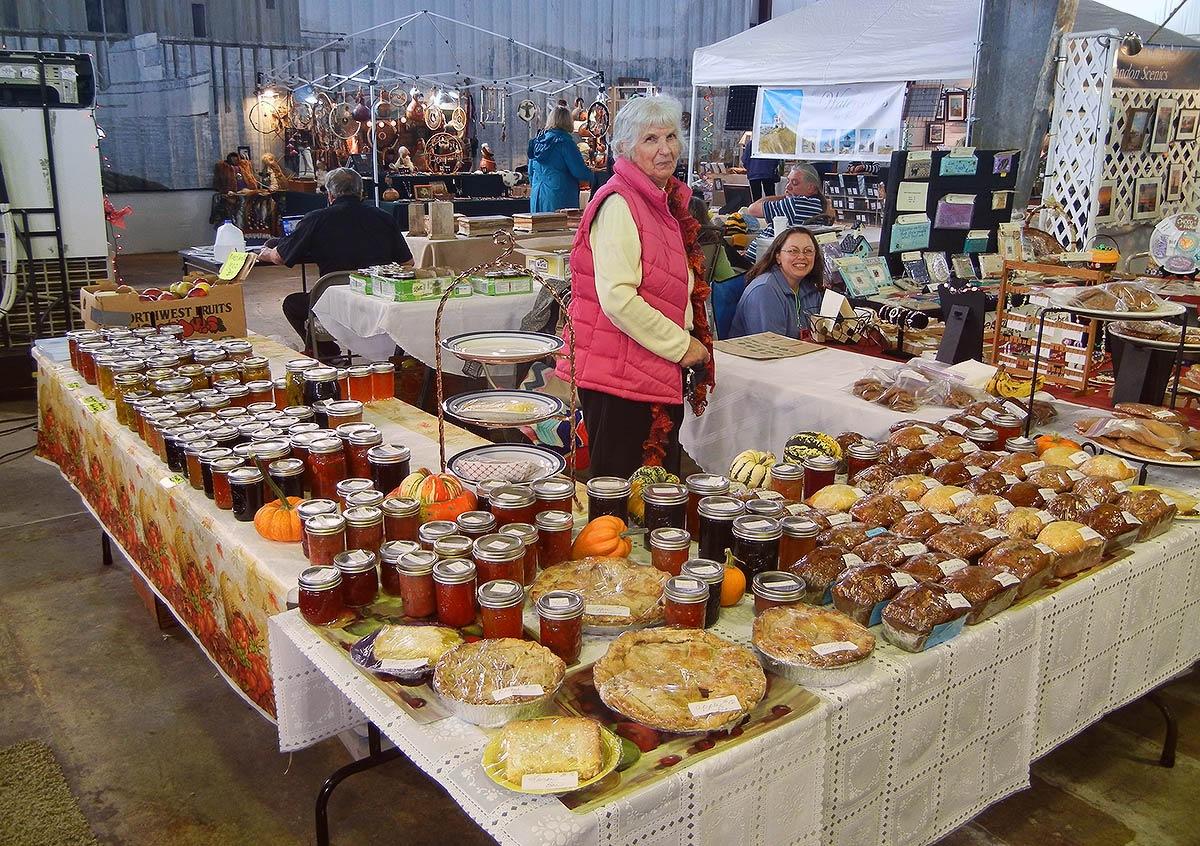 Old Town Farmers Market Best Western Inn at Face Rock : bandonmarketplacejellies2 from www.innatfacerock.com size 1200 x 846 jpeg 492kB